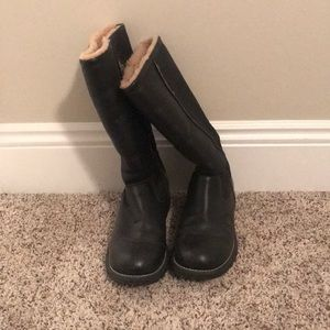 Ugg boots!! Size 8